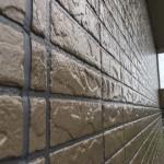 状態の良い窯業系サイディングの外壁はクリア塗装で綺麗に